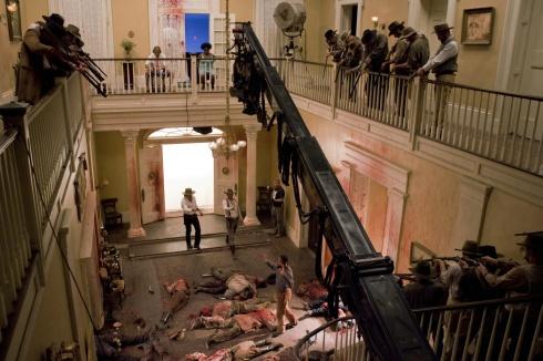 A quien le recuerda esta escena a aquella donde entran los Crazy 88's contra la novia?