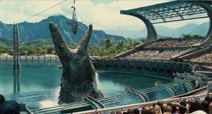 Ñom-ñom; le dan de comer un tiburón a un Mosasaurus